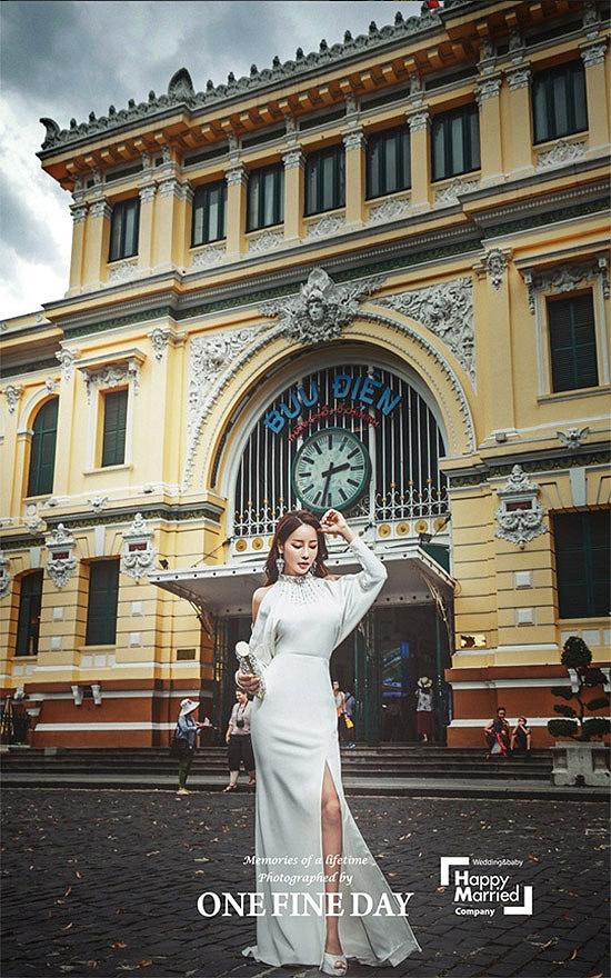Cặp sao lệch 17 tuổi gây sốc showbiz Hàn chụp ảnh cưới tại Việt Nam