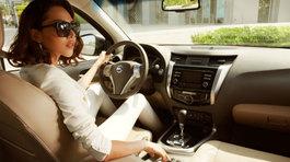 Thực hư chuyện phụ nữ lái ô tô kém hơn nam giới?