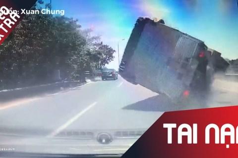 Phóng như, xe tải lết bánh lật ngang giữa đường