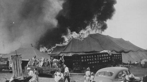 vụ cháy rạp xiếc ở Hartford, Mỹ ngày 6/7/1944