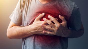 Xử trí cơn đau ngực phòng đột quỵ không phải ai cũng biết