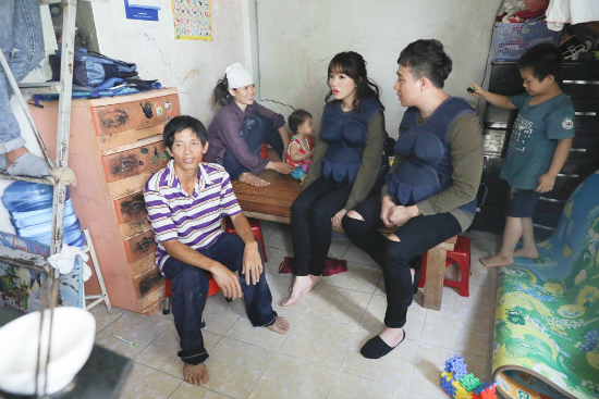 Trấn Thành trách Hari Won bắt chồng 'bán thân' để chào khách