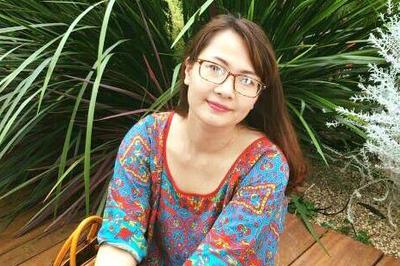 Nữ giảng viên xinh đẹp khuyên học trò 'yêu thật nhiều và chọn thật kỹ'