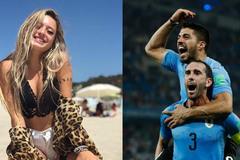 Hot girl Uruguay cổ vũ Luis Suarez đá bay Pháp