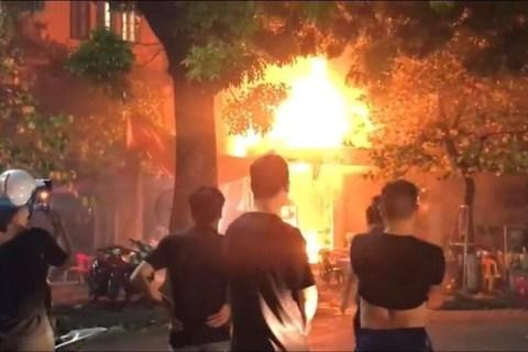 cháy quán bia quán sứ