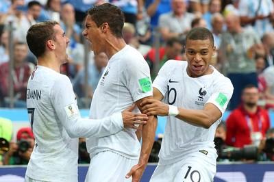 Video bàn thắng Uruguay 0-2 Pháp