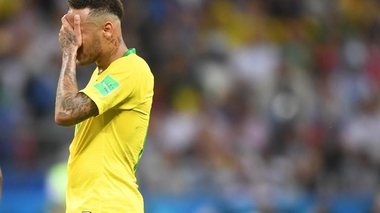 Neymar muối mặt vì liên tục 'diễn kịch' bất thành trước Bỉ