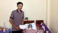Anh Nguyễn Văn Hùng xúc động đón nhận tấm lòng bạn đọc