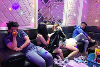 16 nam nữ phê ma túy trong quán karaoke ở Sài Gòn
