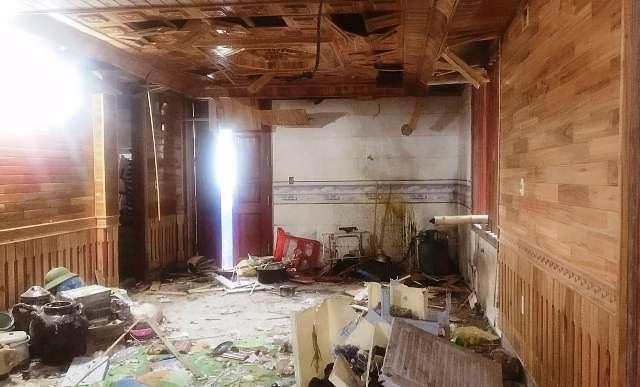 Thanh Hóa: Đang xem bóng đá, bị ném mìn vào nhà