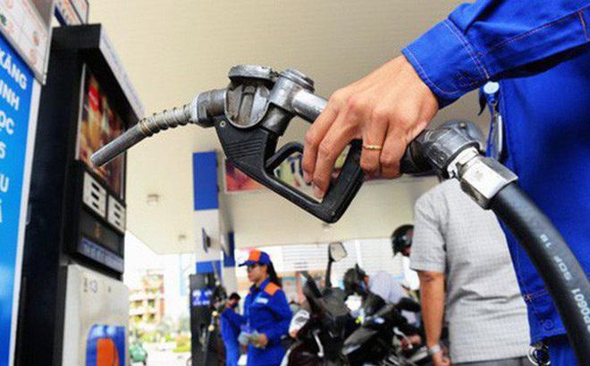 Vào kỳ điều chỉnh giá xăng dầu: Hai mặt hàng tăng giá