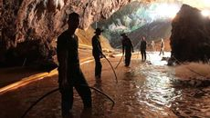 Sơ tán quanh hang để chuẩn bị cứu đội bóng Thái
