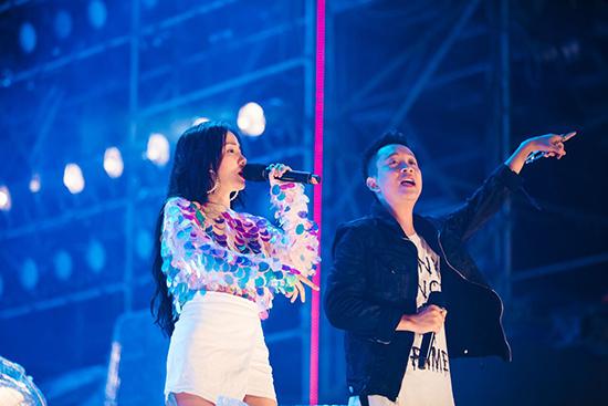 Giọng ca Despacito hát đến 3 giờ sáng trước gần 1 vạn khán giả tại Đà Nẵng