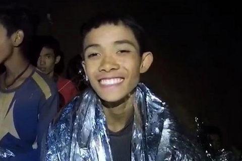Giải cứu đội bóng nhí Thái Lan