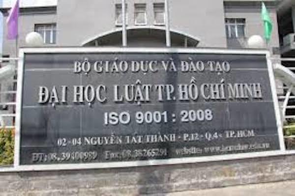 """Phó khoa Trường ĐH Luật TP.HCM bị """"tố"""" đạo văn của đồng nghiệp"""