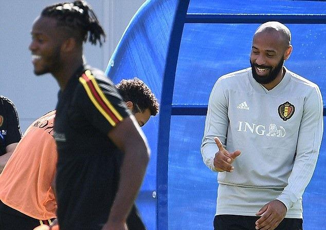 'Đột nhập' sân tập tuyển Bỉ trước trận bán kết với Pháp