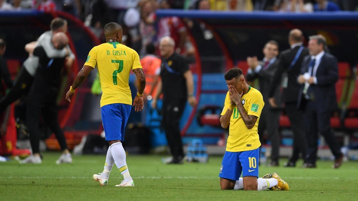 Báo chí Brazil tấn công Neymar: 'Đừng nghĩ mình là Pele'
