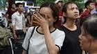 Hà Nội: Cháy tòa nhà Caoza, nữ nhân viên mặt nhọ nhem nức nở
