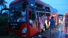 Nhiều người thương tích đầy mình sau cú tông trực diện của 2 xe khách