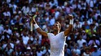 Nadal vào tứ kết Wimbledon sau 7 năm