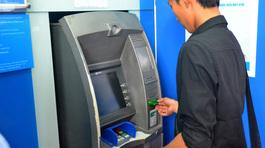 Lần thứ 2 NHNN yêu cầu 4 'ông lớn' dừng tăng phí rút tiền nội mạng ATM