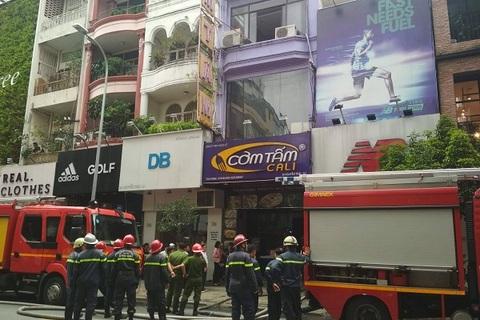 Cháy quán cơm tấm Cali giữa trung tâm Sài Gòn