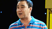 Quyền Linh suýt bỏ túi điện thoại Vertu giá trăm triệu nhặt trên taxi