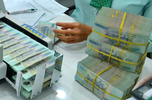 Lãi lớn nhất 10 năm qua: Quyết định khiến ngân hàng phải 'hãm phanh'