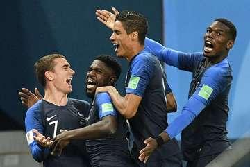 """Dư âm Pháp 1-0 Bỉ: Sao Bỉ """"lẩn trốn"""", Pogba quá hay!"""