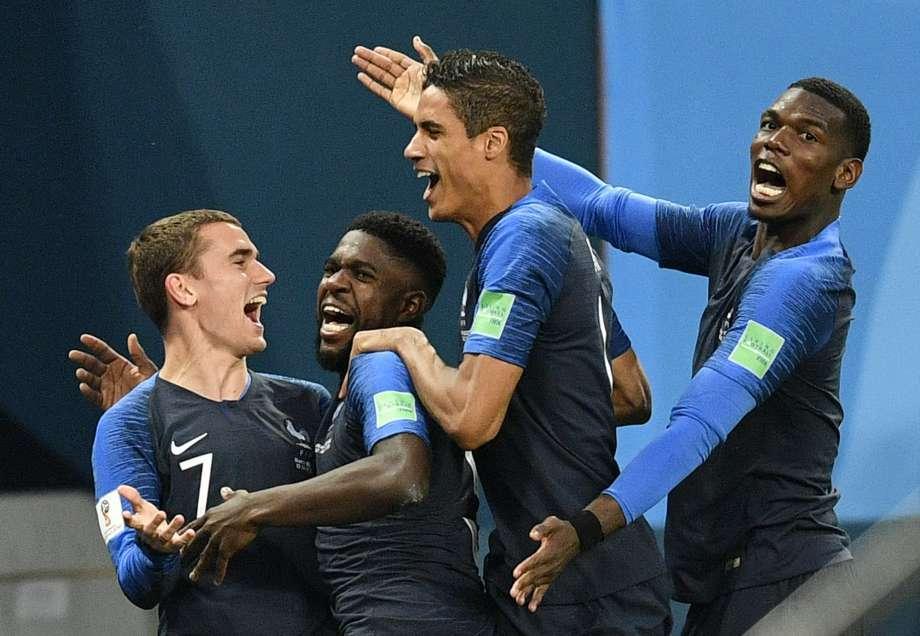 Dư âm Pháp 1-0 Bỉ: Sao Bỉ 'lẩn trốn', Pogba quá hay!