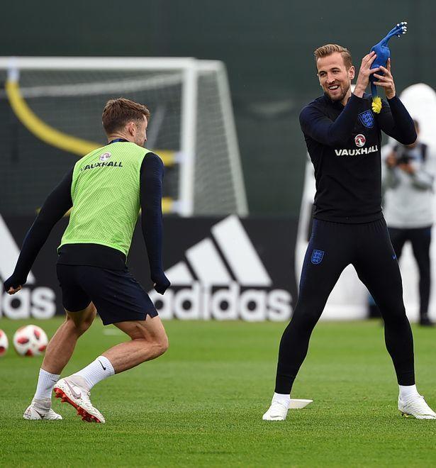 Tuyển Anh chưa đấu Croatia đã đòi 'làm gỏi' Gà trống Pháp