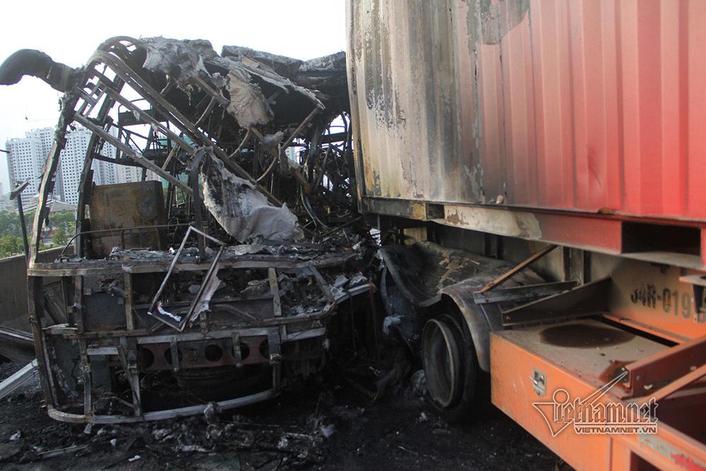 tai nạn,tai nạn giao thông,cháy xe khách,vành đai 3,Hà Nội