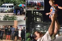 Người Thái mở tiệc xuyên đêm mừng đội bóng được cứu