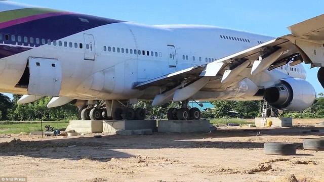 Máy bay,Chuyện lạ
