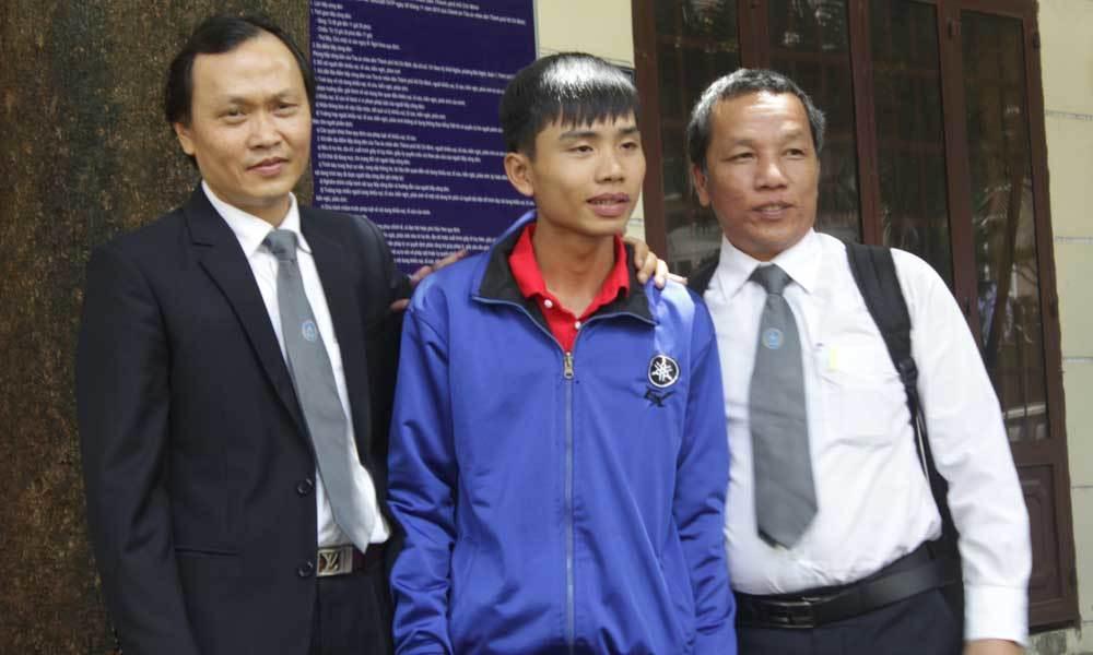 Sau 4 phiên tòa thanh niên
