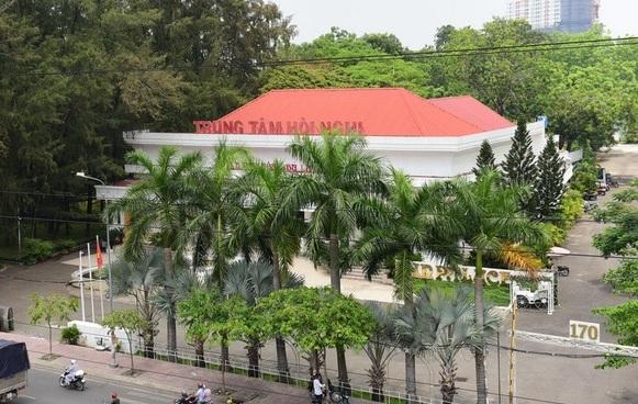 Chủ tịch Nguyễn Thành Phong: 'Dân khổ ở dự án treo là có lỗi của chính quyền TP'