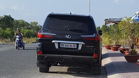 Ô tô biển ngoại giao của đại gia Cà Mau sử dụng sai quy định