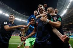 Croatia ngược dòng vào chung kết, Anh tìm giải an ủi với Bỉ