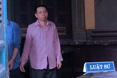 Đâm cha mẹ vợ tới gãy cán dao, vợ đề nghị tử hình chồng