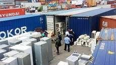 Cảng biển Việt Nam dồn ứ hàng vạn container phế liệu