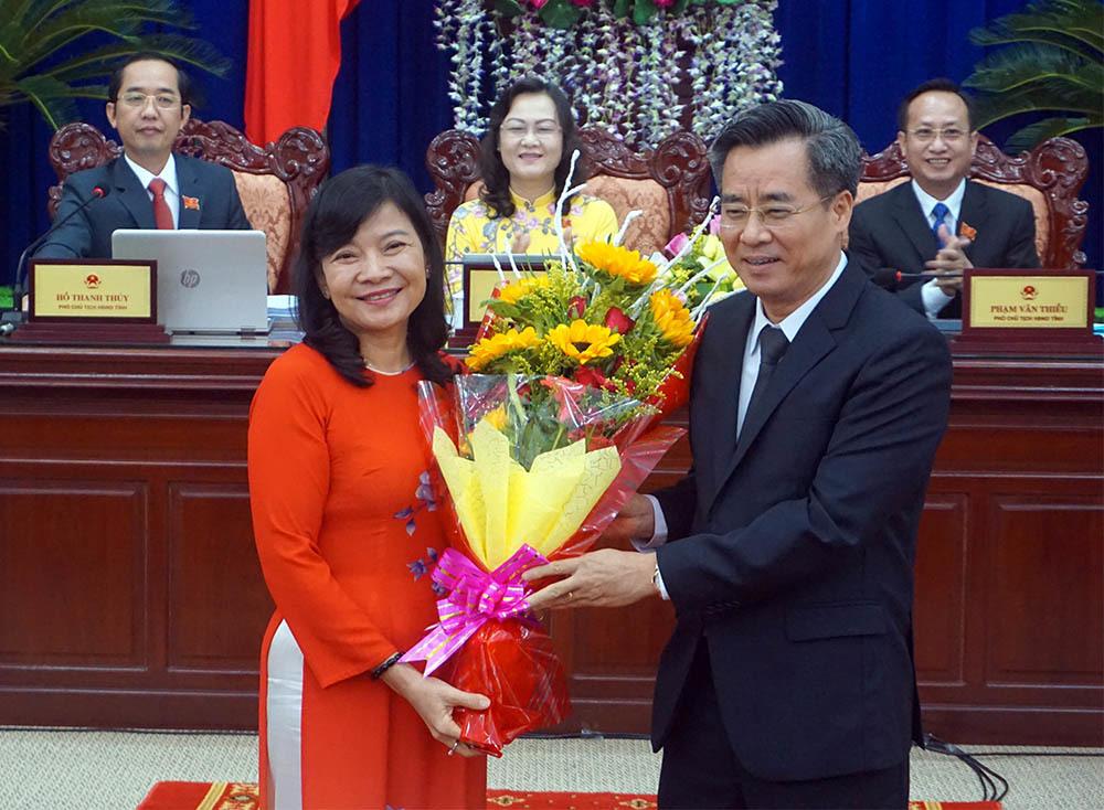 Nữ Chánh văn phòng Tỉnh ủy Bạc Liêu được bầu làm Phó chủ tịch tỉnh