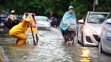 Miền Bắc 4 ngày liền mưa to, phập phồng lo ngập