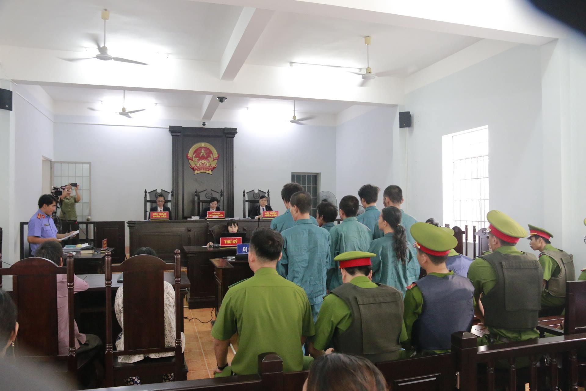 Vụ gây rối ở Bình Thuận: 6 bị cáo bị phạt từ 24-30 tháng tù