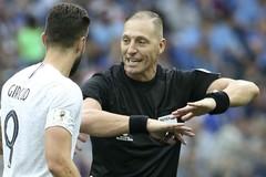 Trọng tài bắt chung kết World Cup: Điềm gở với người Pháp