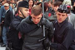 Ngày này năm xưa: Táo tợn âm mưu ám sát Tổng thống Pháp