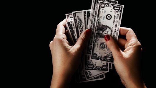 Tỷ giá ngoại tệ ngày 23/7: USD giảm, Bảng Anh tăng