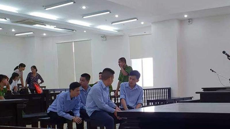 Hà Nội: Khách đi taxi bị tài xế tìm đến tận nhà truy sát