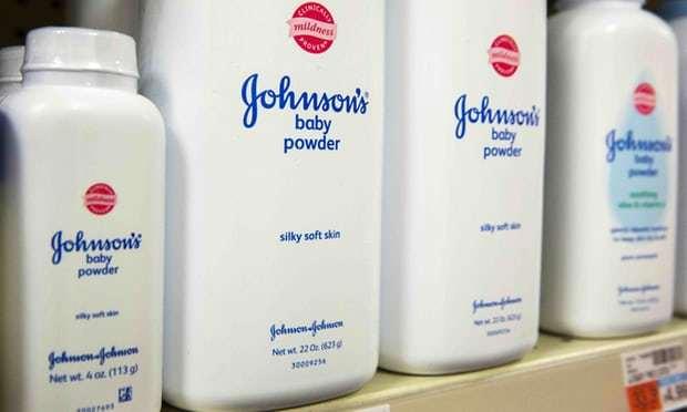 Johnson & Johnson bị yêu cầu bồi thường mức kỷ lục vì phấn rôm gây ung thư