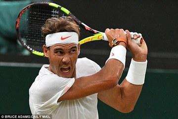 Bán kết Nadal 1-2 Djokovic tạm dừng vì quá muộn