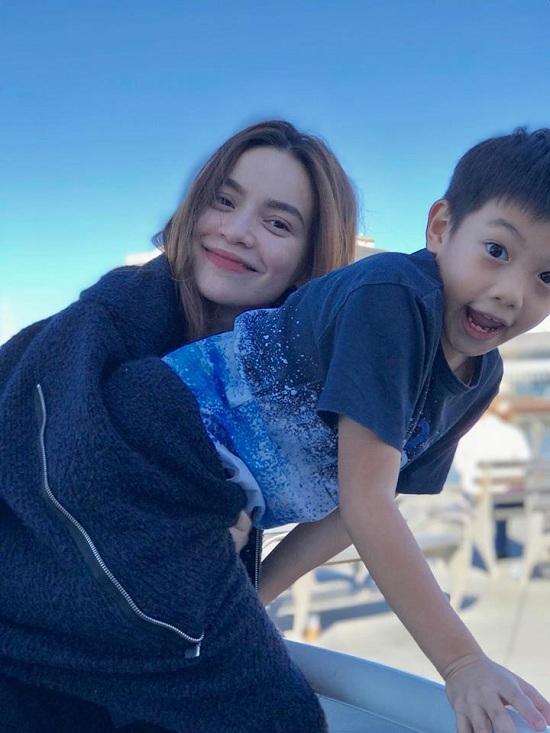 Hồ Ngọc Hà hủy kết bạn với Kim Lý, rộ tin đồn chia tay